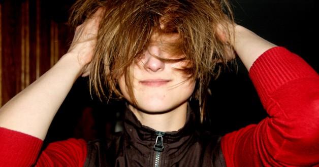 Waarom haren pluizen